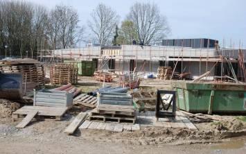 Bouw Maasveld op schema